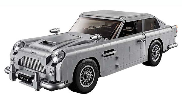 Ms. Moneypenny präsentiert James Bond-Auto | Aston Martin DB 5 aus Lego