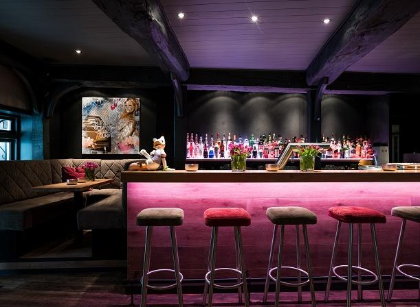 relais ch teaux hotel landhaus stricker stefan czerwony neuer barchef gourmetwelten das. Black Bedroom Furniture Sets. Home Design Ideas