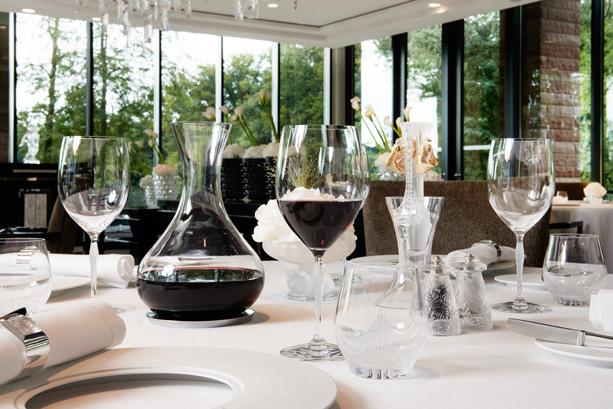 zu neuem leben erweckt die villa ren lalique. Black Bedroom Furniture Sets. Home Design Ideas