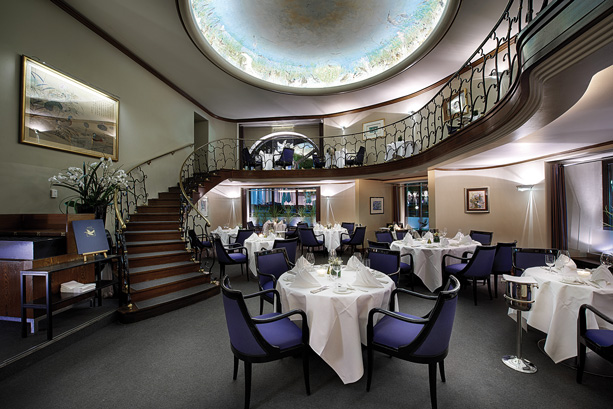 69 wohnzimmer berlin restaurant bar bart im hotel. Black Bedroom Furniture Sets. Home Design Ideas