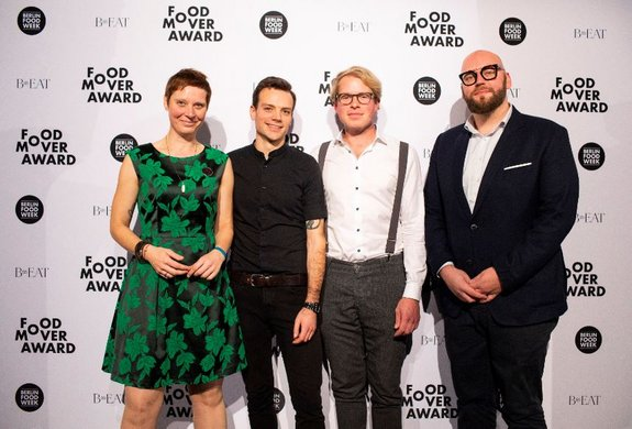 Food Mover Awards der Berlin Food Night - Die Gewinner Bärbel Ring, Patrick Wodni, Lars Odefey und Thomas Imbusch Credit: Dirk Mathesius.