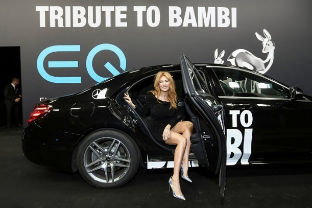 Tribute to Bambi | Mercedes-Benz startet Facebook Spendenkampagne Recharge