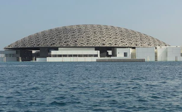 Louvre Abu Dhabi Foto: Abu Dhabi's Department of Culture and Tourism/Roland Halbe