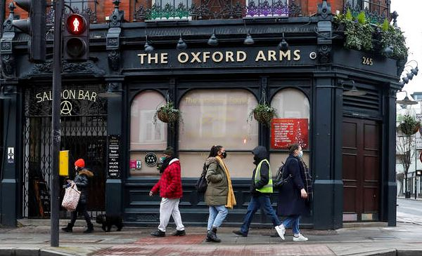 Pub in London Foto: imago images